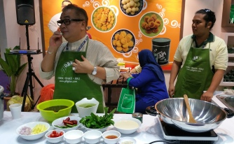 Live cooking show by Malaysia's top chef